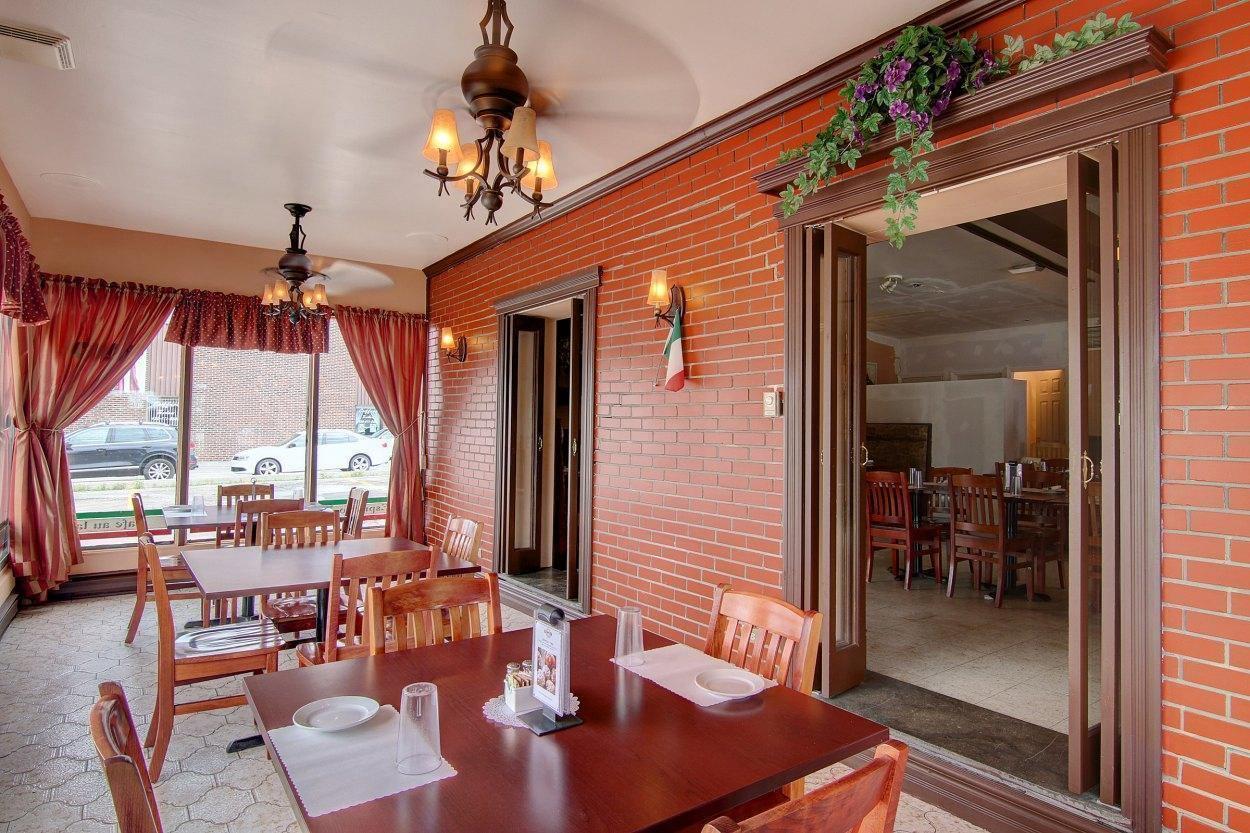Chez Napoli Pizzeria - Restaurant Cuisine Pizza Terrebonne/Lachenaie, Lanaudière (Rive-Nord)