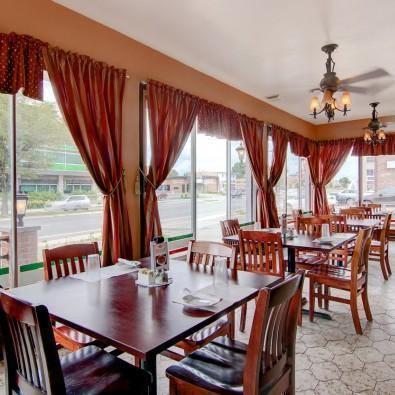 Chez Napoli Pizzeria Restaurant Photo