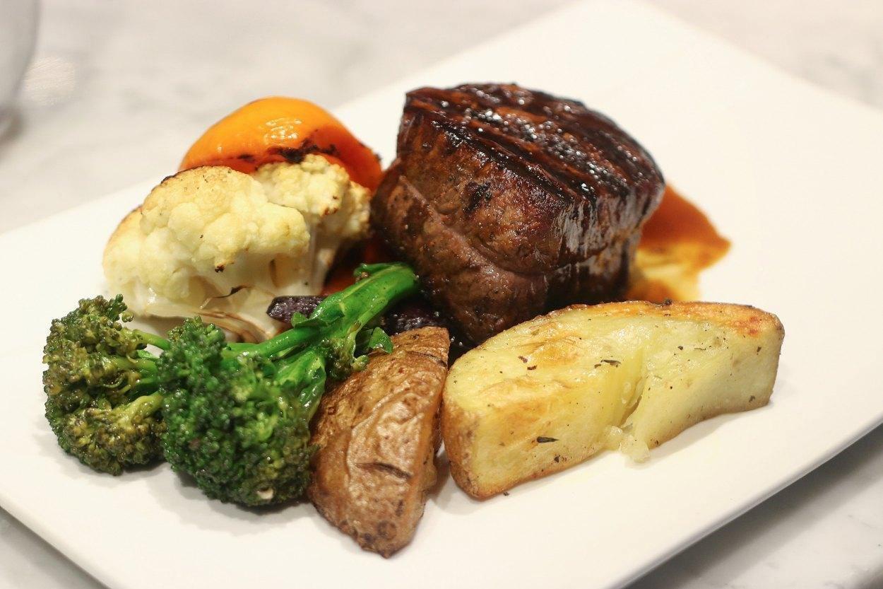 Du Boucher À La Table - Restaurant Cuisine Steakhouse Anjou-St-Léonard, Montréal