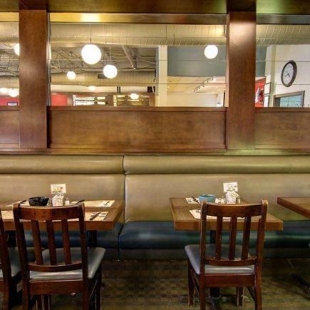 Resto Hollywood Deli Restaurant RestoMontreal