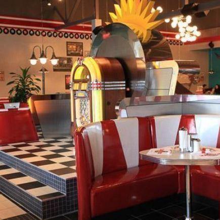 Photo 10 - Jukebox Burgers & Bar Laitier Restaurant RestoMontreal