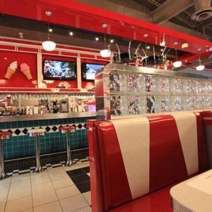Photo 11 - Jukebox Burgers & Bar Laitier Restaurant RestoMontreal