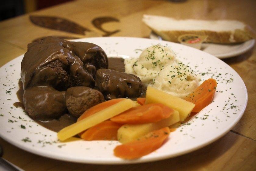 La binerie mont royal restaurant le plateau mont royal - Cuisine moleculaire montreal ...