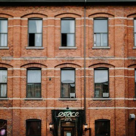 L'Ambroisie et L'Espace Canal Restaurant RestoMontreal