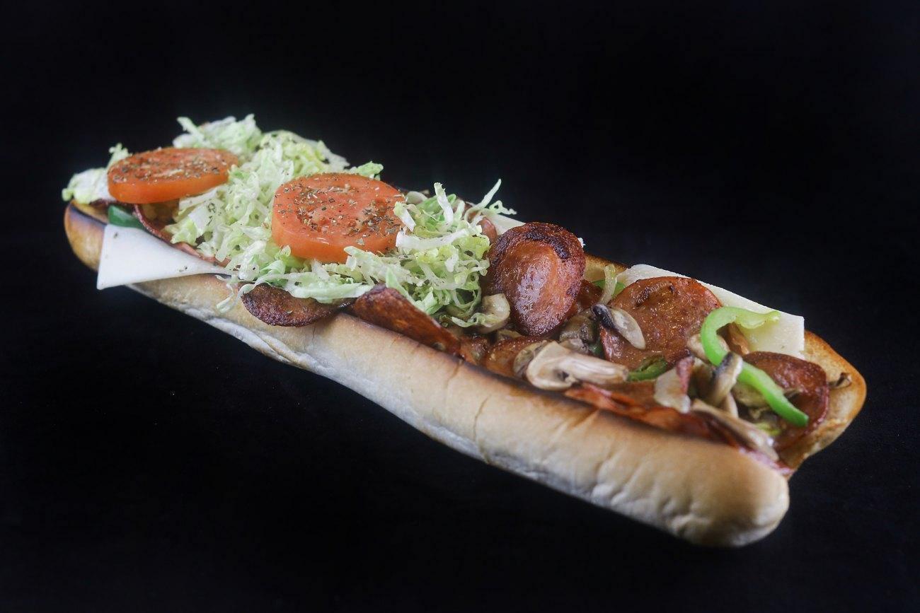 Le Déli 440 - Chomedey, Laval - Smoked Meat Cuisine Restaurant
