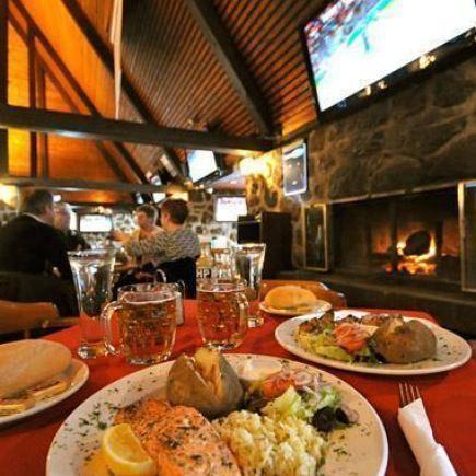Photo 16 - Brasserie Le Manoir Pointe-Claire Restaurant RestoMontreal