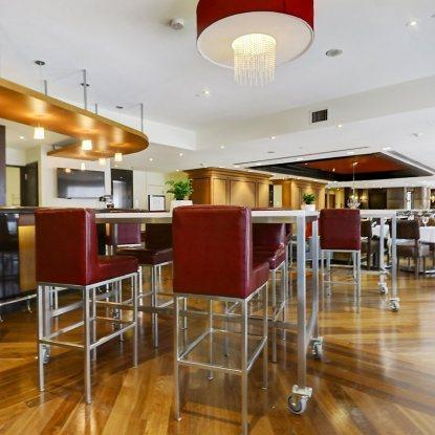 Le Mezz Bistro Bar - Hotel Le Cantlie Suites Restaurant RestoMontreal