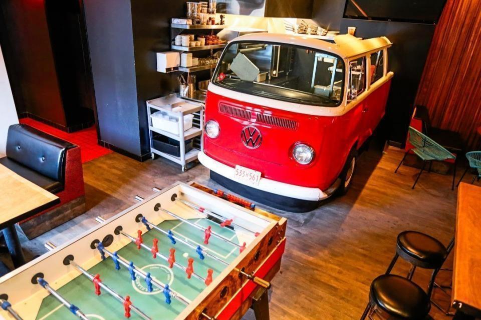 Le Mtl Resto + Bar - Restaurant Cuisine Pub Food Le Plateau-Mont-Royal, Montréal
