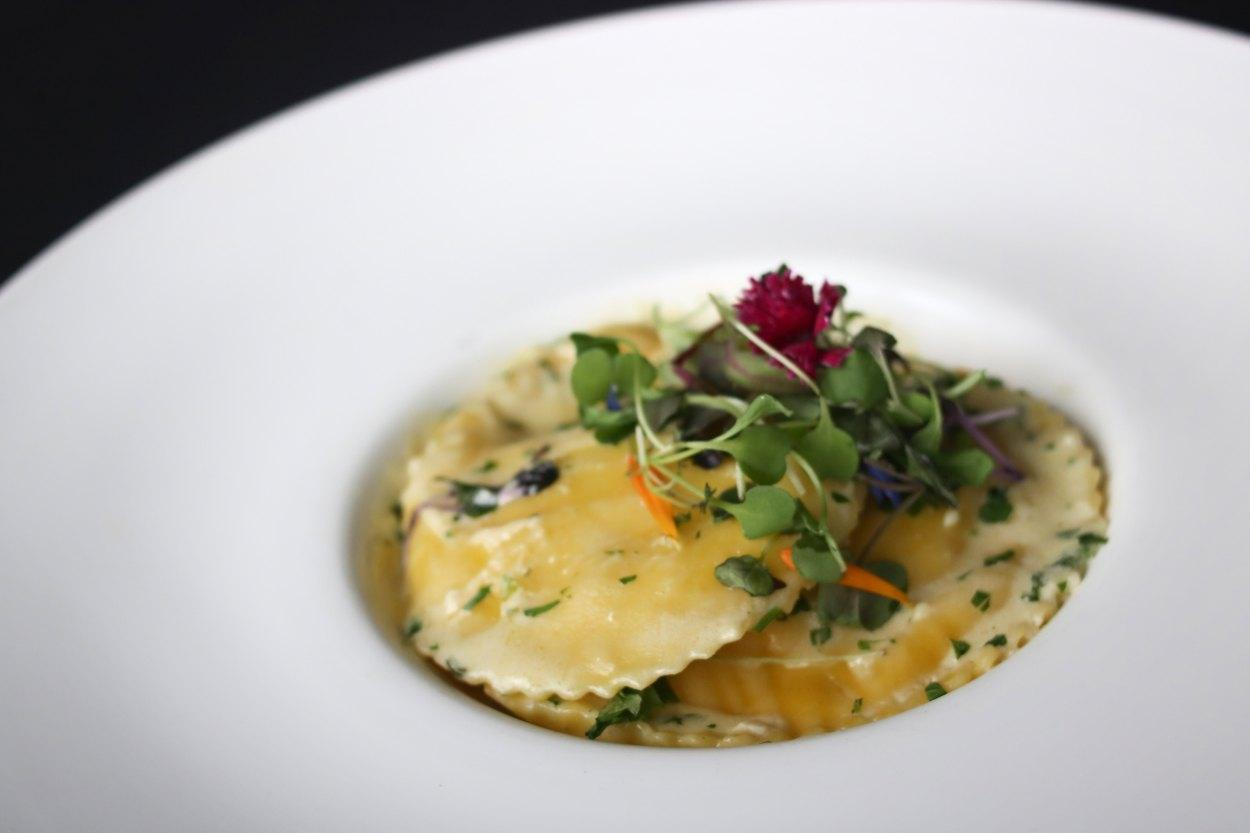 Le Toit Rouge - Restaurant Cuisine Internationale Mercier-Hochelaga-Maisonneuve, Montréal