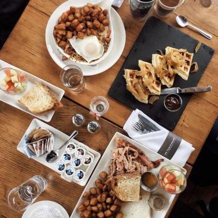 Les Fous-Braques Restaurant RestoMontreal