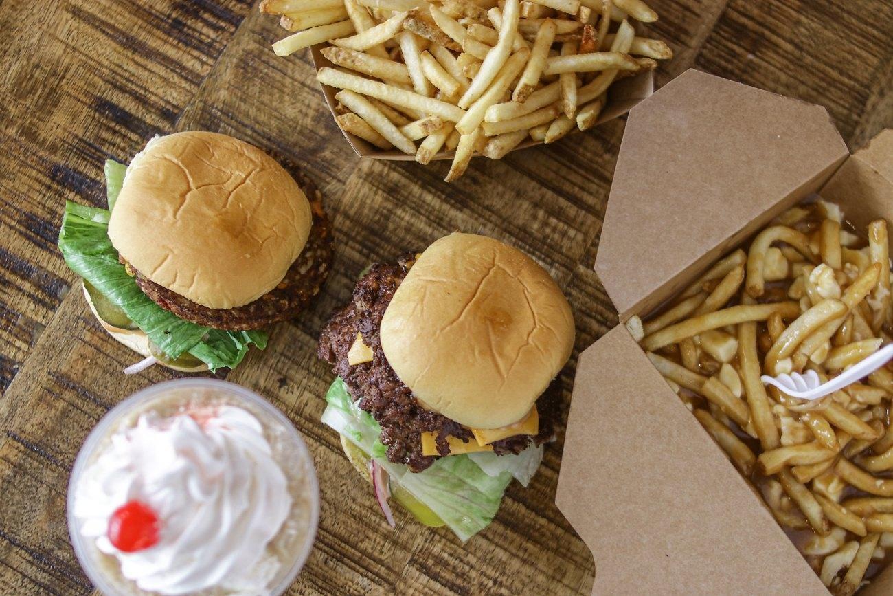 L'Hamburger - Rosemont-La Petite-Patrie, Montreal - Burgers Cuisine Restaurant