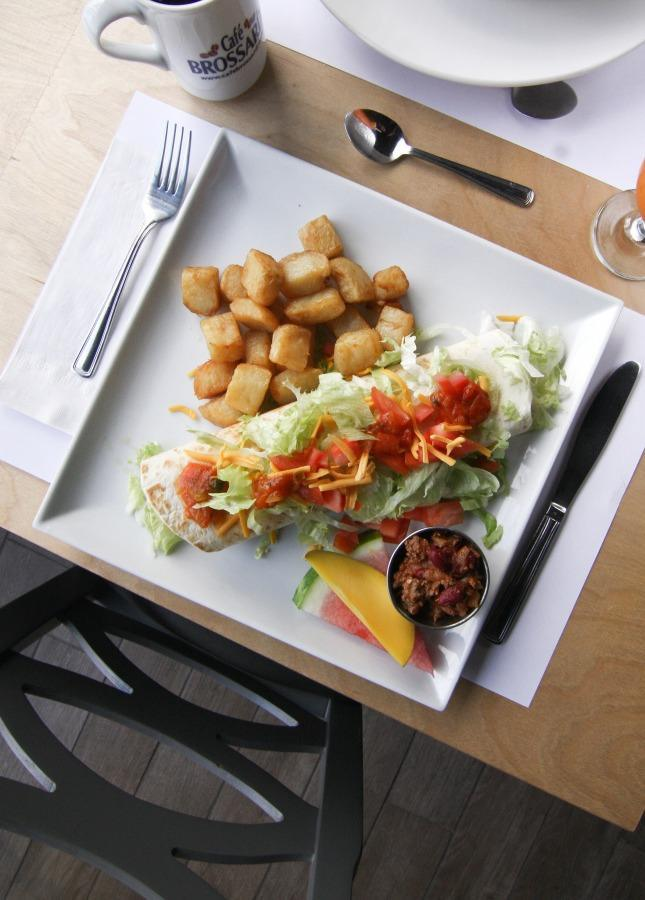 l'Oeuficiel - Restaurant Cuisine Déjeuner Pont Viau, Laval