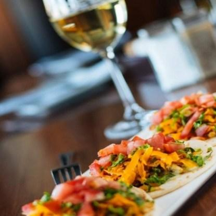 Moe's Bar & Grill Restaurant RestoMontreal