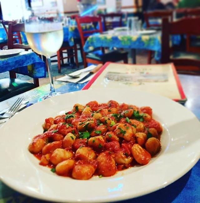 Napoli Pizzeria - Restaurant Cuisine Italienne Quartier Latin, Montréal
