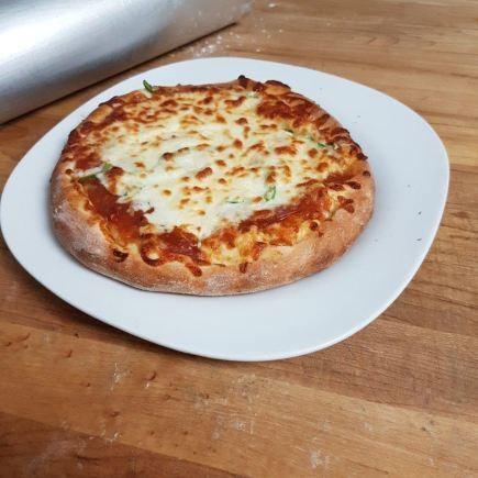 Nikos Pizza & Déli Restaurant RestoMontreal