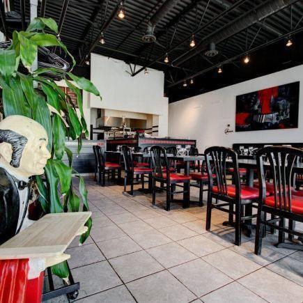 Paparazzi's Restaurant RestoMontreal