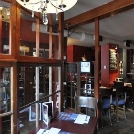 PoutineVille Restaurant RestoMontreal