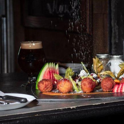 Pub Barils & Ardoises Restaurant RestoMontreal