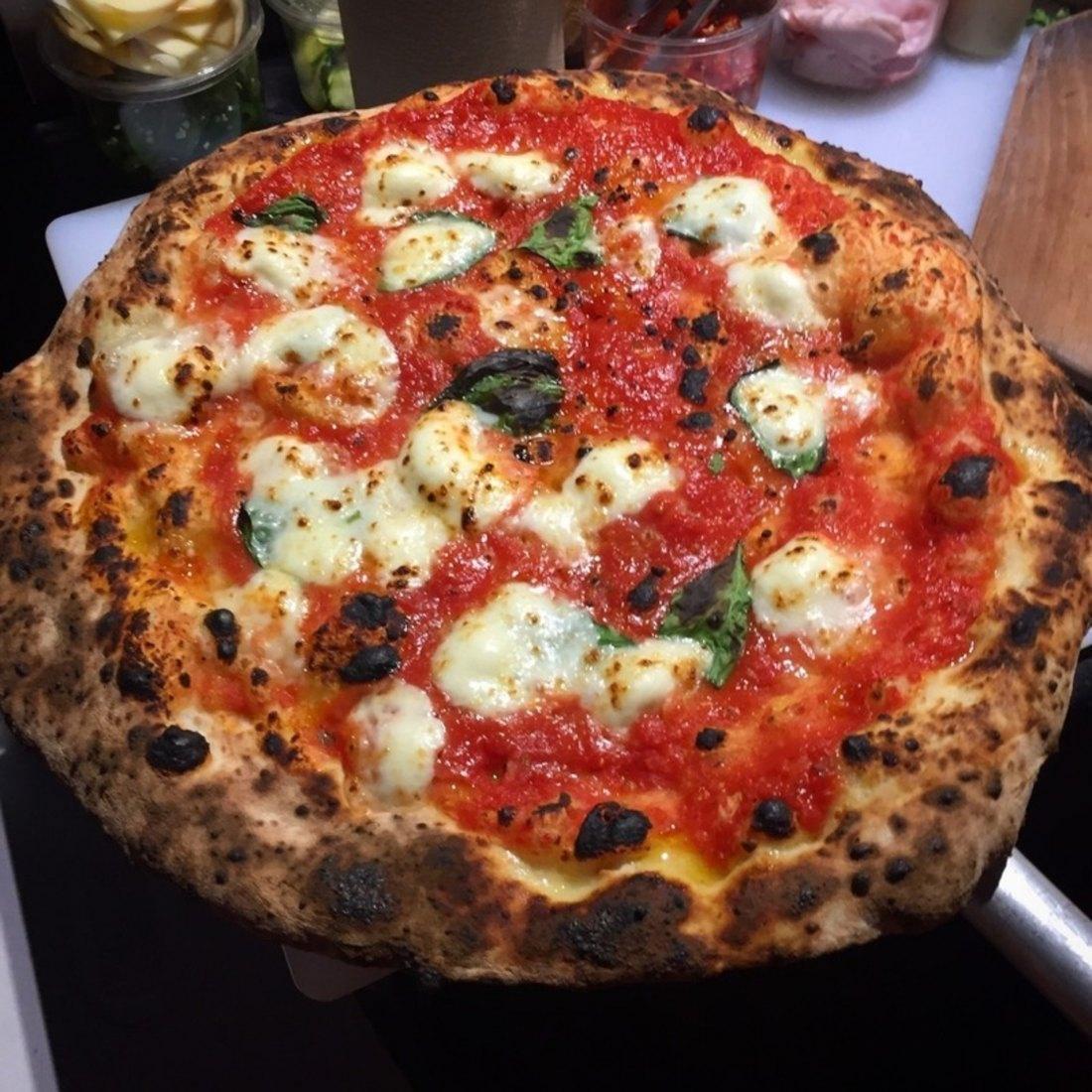 Taste Italy - Pizzaioli Traiteur Catering - Restaurant Cuisine Pizza Montréal-Est, Montréal
