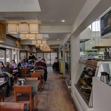 8ef67a72001d ... Toi Moi et Café Restaurant RestoMontreal