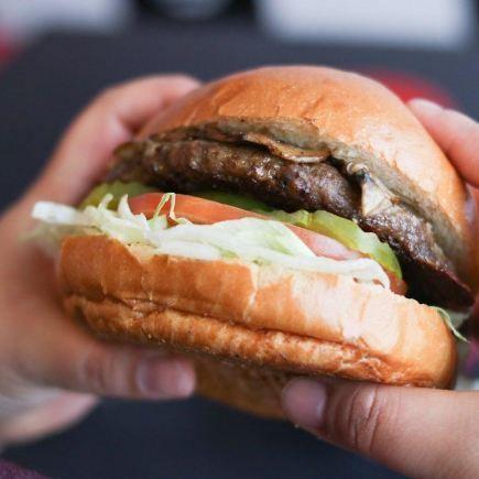 Twisted Burger Restaurant RestoMontreal
